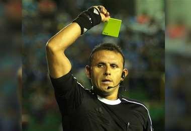Vargas como juez central y 3 asistentes estarán en la Copa América. Foto: EL DEBER