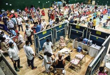 India registró casi 315.000 nuevos casos de covid-19 en 24 horas. Foto AFP