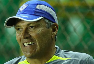 Néstor Clausen, entrenador de Real Santa Cruz. Foto: internet