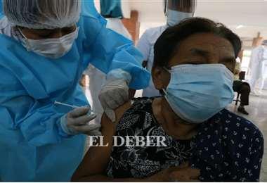 La vacunación se da lunes a viernes. Fotos: Ipa Ibáñez