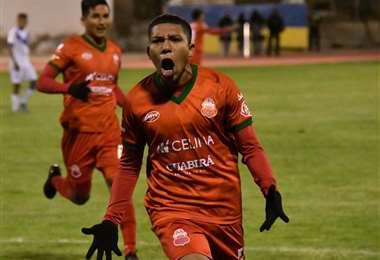 El festejo de Abastoflor tras su gol a San José. Foto: Marka Registrada