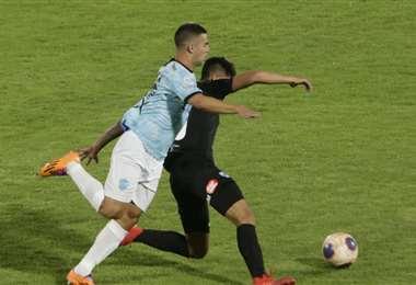 Aurora y Bolívar se enfrentan en el estadio Félix Capriles. Foto: APG