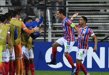 El Bahía empató en su primer partido del grupo ante Montevideo City Torque. Foto: Internet