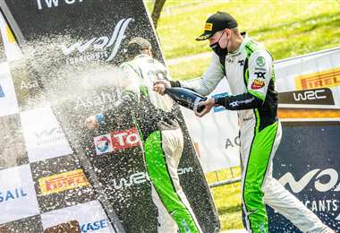 La celebración de Marco Bulacia en el podio. Foto: M. Bulacia