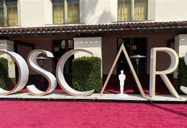 Esta es la alfombra roja por donde caminaron los asistentes al Óscar 2021