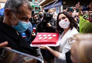 investigan una carta con dos balas dirigida a Isabel Díaz Ayuso