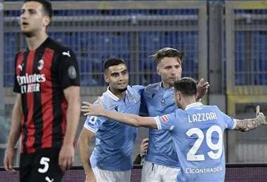 El festejo de Inmobile con sus compañeros de Lazio. Foto: AFP