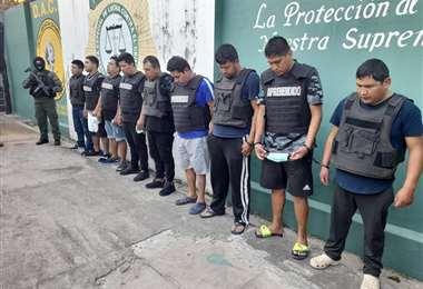 Los nueve detenidos fueron presentados en oficinas de la Felcc