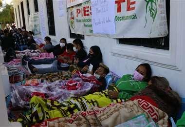 Trabajadores de salud reclaman bono de vacunación. Foto: JC Torrejón
