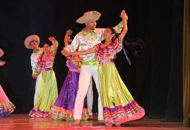 Los bailes folclóricos serán protagonistas en las tres funciones