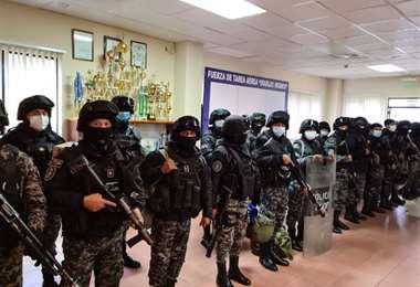 Efectivos policiales refuerzan la lucha contra el narcotráfico en Santa Ana