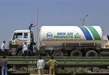 Transporte de oxígeno. Foto AFP