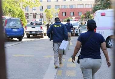 La pareja cayó de un edificio de la ciudad de Santa Cruz