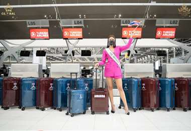 La tailandesa Amanda Obdam, partiendo a Estados Unidos, bien equipada