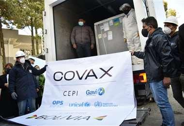 Las vacunas llegaron este jueves mediante el mecanismo Covax