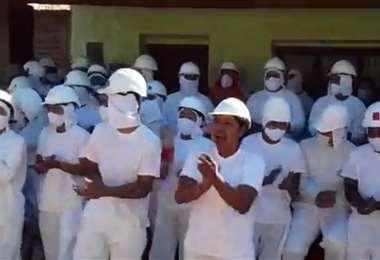 Trabajadores de FBC insisten en abrogar el decreto que prohibe exportar carne
