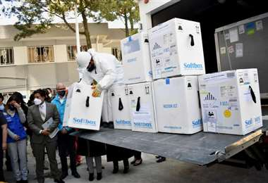 Bolivia recibió un nuevo lote de vacuna Pfizer. Foto. APG