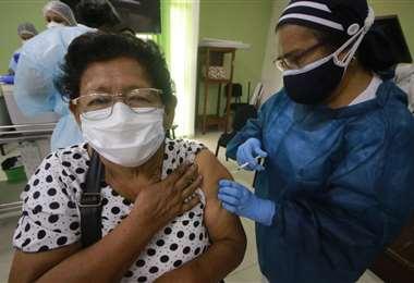 Se observa el lento avance en las vacunaciones (Foto: Ricardo Montero)