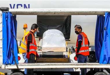 Llegada de los restos de Victoria Salazar a El Salvador
