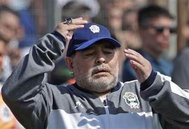 Maradona fue operado de la cabeza, tres semanas antes de su muerte. Foto: Internet