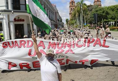 Guardias municipales están en paro por 24 horas. Foto. Juan Carlos Torrejón