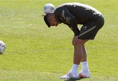 Luis Suárez se mostró adolorido en la práctica de este miércoles. Foto: Internet
