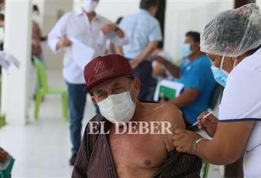 Santa Cruz reclama vacunas para atender al adulto Mayor. Foto. J. Ibáñez