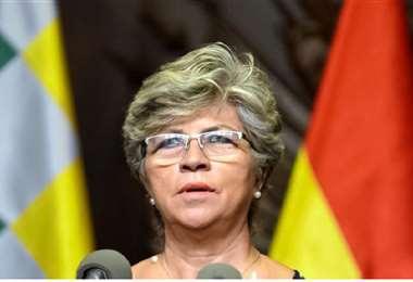 La ex ministra se declaró en la clandestinidad y perseguida por el MAS