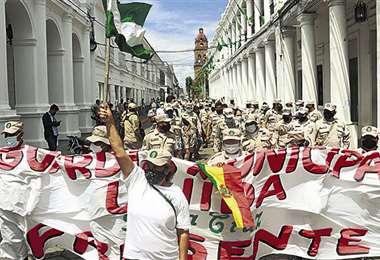 La protesta se realizó en las calles del centro de la capital cruceña