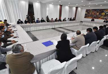 Dirigentes de la COB se reunieron hoy con el presidente Arce. Foto: APG Noticias