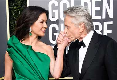 Michael Douglas y Catherine Zeta Jones  disfrutan de seguir juntos