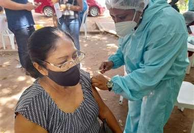 San Matías arranca vacunación masiva a la población. Foto: EL DEBER