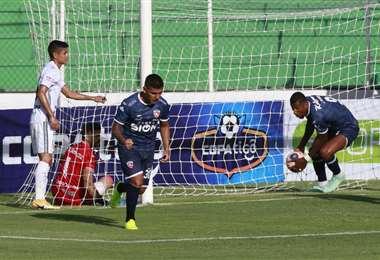 El gol de Esteban Orfano. Gran reacción de Royal Pari. Foto: JC Torrejón