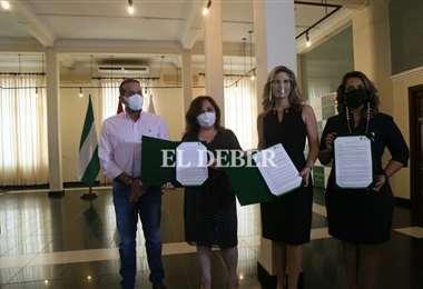 5 mujeres periodistas son reconodidas en el día del periodista. Foto: J. Ibáñez