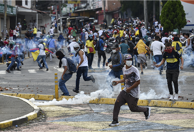 Las protestas son a diarios en las calles de las ciudades colombianas. Foto. AFP