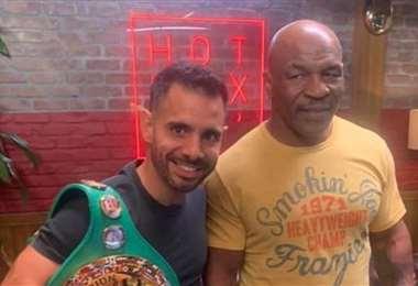 El cruceño conoció en persona a uno de sus ídolos, Mike Tyson. Foto: Internet