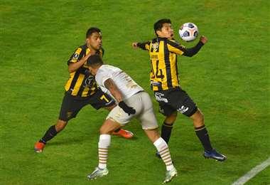 The Strongest enfrenta en el Siles a Barcelona de Ecuador. Foto: APG