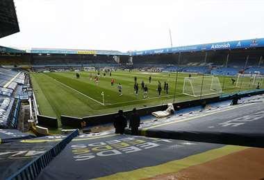 El Tottenham durante un calentamiento previo a un partido. Foto: AFP