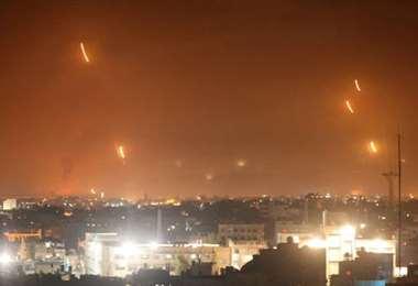 Hamas lanza cohetes hacia Israel desde Rafah, en el sur de la Franja de Gaza