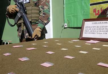 El tuci, la droga rosa, en sobres de plástico. Foto: APG Noticias