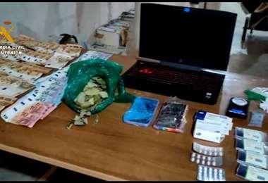 Los objetos encontrados en la intervención I Guardia Civil.