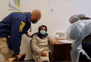 La mujer retornó a su país de origen después de recibir tratamiento