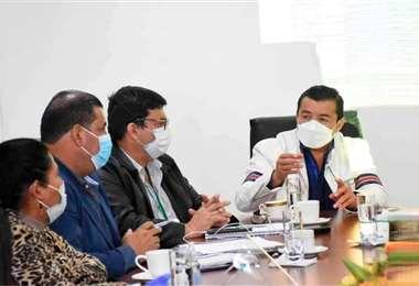 Doro referencial. Fernández sostiene reuniones para abordar el temas de salud y economía