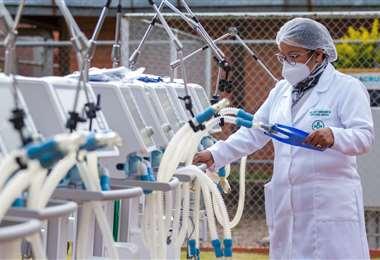 Gobernación entrega 8 respiradoras para los domos del Japonés. Foto. R. Barba