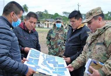 El Viceministro Mamani observa las zonas inspeccionadas (Foto: oficial)