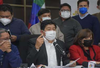 El ministro Montaño dio el informe en conferencia de prensa