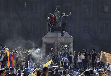 Las protestas sociales continúan en Colombia. Foto: AFP