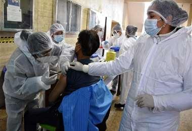Foto APG: Bolivia superó los 2 mil contagios este jueves