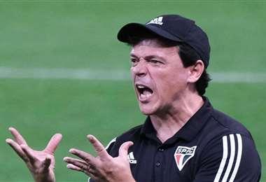 Fernando Diniz tiene 47 años, fue futbolista y ahora es DT del Santos. Foto: Internet