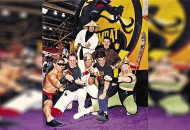 Los creadores de Mortal Kombat bromean con cosplayers de sus personajes